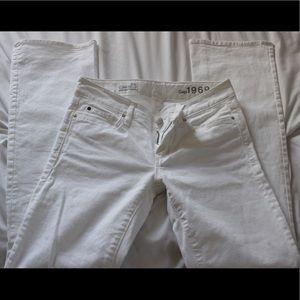 Gap low rise sexy bootcut style white jeans, sz 24